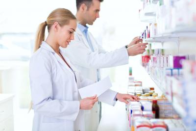 doctors holding medicines